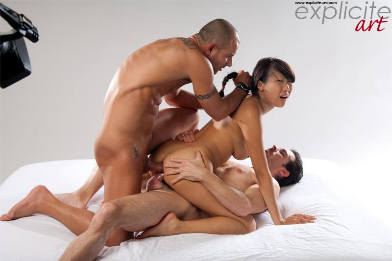 Amateur threesome 600 - 2 part 5